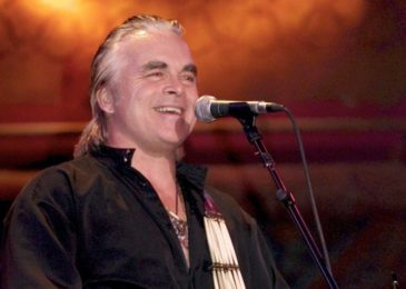 Hal Ketchum, 'Small Town Saturday Night' singer, dies at 67 after fight with dementia