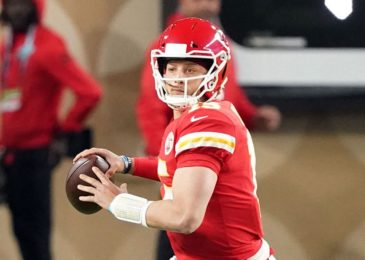 Patrick Mahomes win ' kneel downs in Chiefs' against Raiders bring about terrible bad beat for bettor