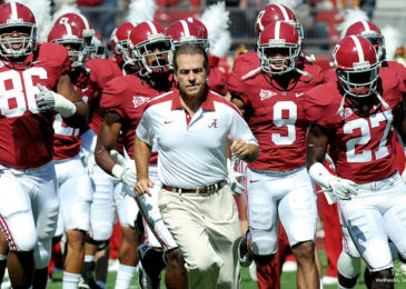 Alabama Crimson breaks Notre Dame's major college football awards record