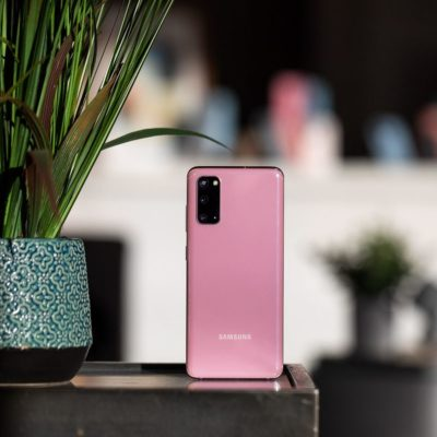 5G Samsung Galaxy S20 series receives an Android update early, still before the Pixels
